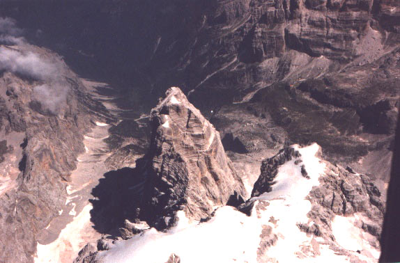 The Top Shears with the Crozon of Brenta, separated by the Gully of the it Shears. On I break down him/it the Val Brenta.